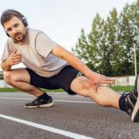 Faut-il faire des étirements avant ou après la course à pied?