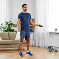La corde à sauter: l'outil idéal pour un entraînement cardio à la maison